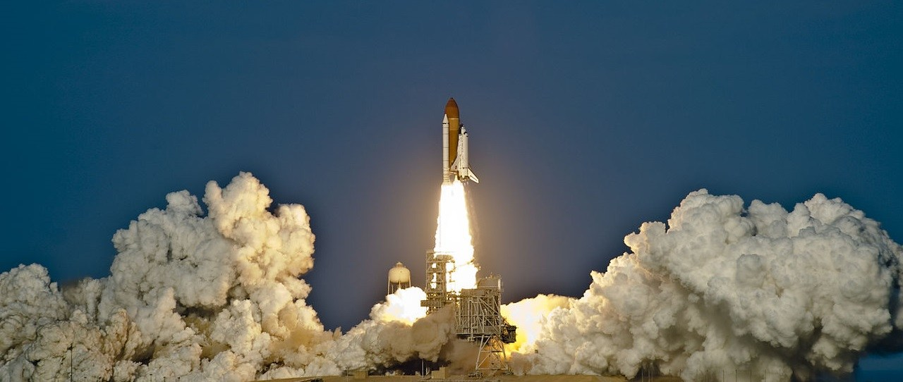 1280px-us_navy_the_space_shuttle_discovery_lifts_off_from_the_kennedy_space_center_on_its_final_mission_1280x542